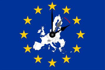 Europa Zeitumstellung Europaflagge mit Europakarte und Zeiger