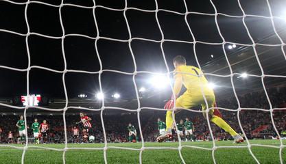 Premier League - Southampton v Brighton & Hove Albion