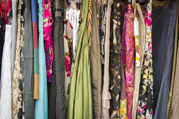 Flohmarkt Trödel Kleider