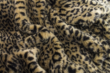 falsches fell mit leopardenmuster