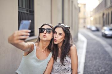 Selfie-friends