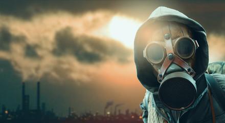 Obraz Environmental disaster and post apocalyptic survivor - fototapety do salonu