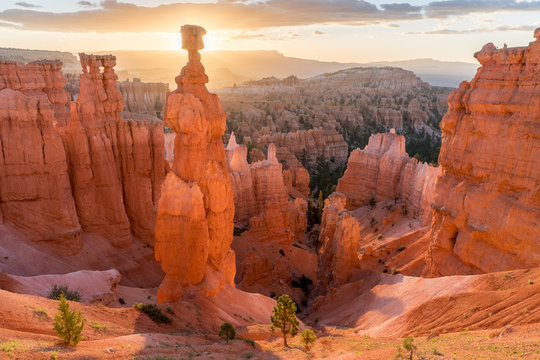 Thor's Hammer glowing in the morning light, Bryce Canyon National Park