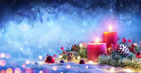 Fotomurales - Christmas Advent - Red Candles With Ornament On Snow