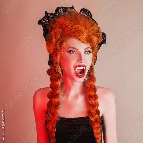 Gothic Halloween Clothes Young Creepy Redhead Queen With Hairstyle