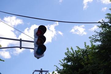 停電中の信号機