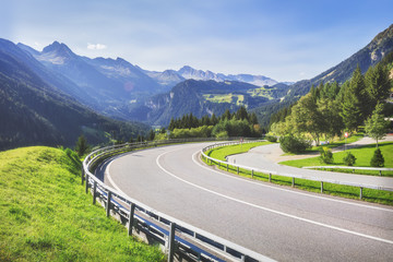 Fototapeten Gebirge Traveling to beautiful Alps in summer