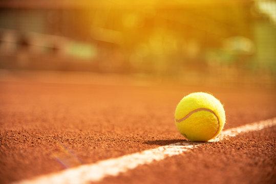 Tennis Tennisball am Tennisfeld