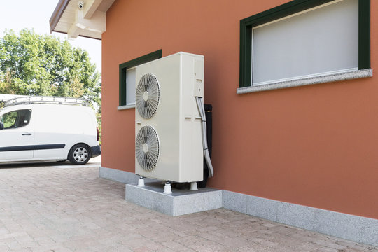heat pump air - water for heating a residential home