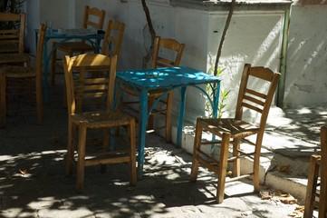 Stühle auf Lesbos