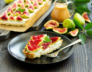 A delicious homemade pie with mascarpone cheese and fresh figs.