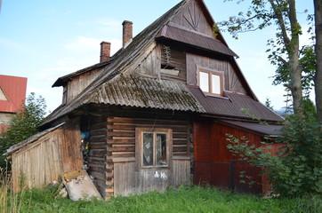 Fototapeta Stary drewniany opuszczony dom, Zakopane, Polska obraz