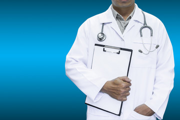 Doctor holding blank sign on a clipboard on blue background