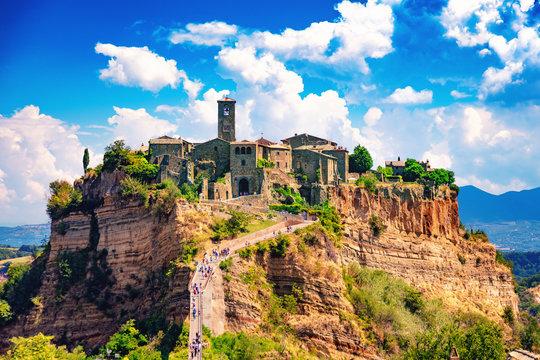 Civita di Bagnoregio, Viterbo, Latium, Italie, 18 août 2018: Vue de la cité médiévale