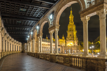 Nocturna de la Plaza de España de Sevilla