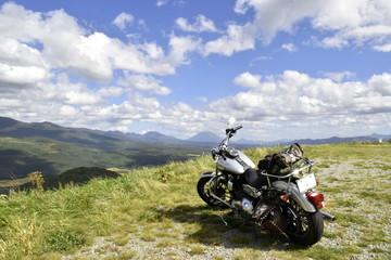北海道の大地とバイク