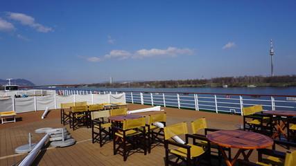 Wien, Österreich, Fluss Donau von einem Kreuzfahrtschiff