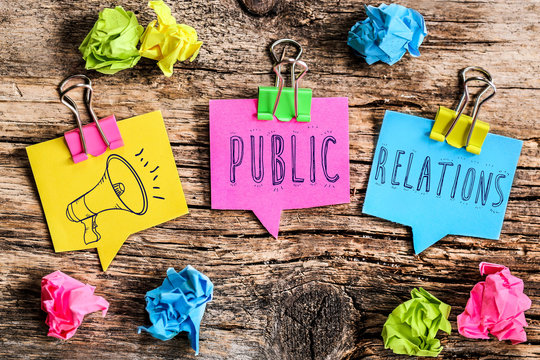 Post-it note : public relations