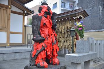 田端 東覚寺の身代り赤紙仁王尊(阿像)