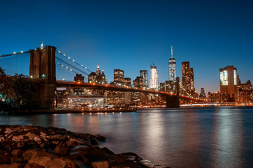 Spoed Foto op Canvas New York City Brooklyn Bridge from Brooklyn at night