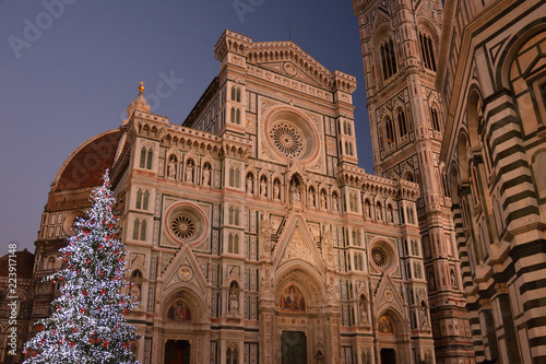 Christmas In Florence Italy.Christmas Tree And Santa Maria Del Fiore In Florence Italy