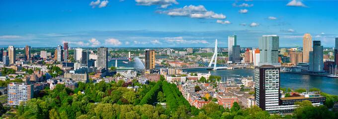 Photo sur Aluminium Rotterdam Aerial panorama of Rotterdam city and the Erasmus bridge
