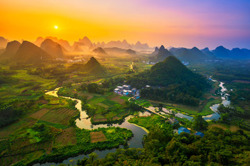 Photo sur cadre textile Guilin Landscape of Guilin, China. Li River and Karst mountains called Cuiping or