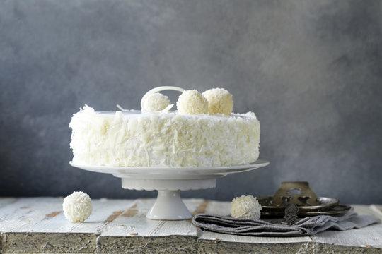white coconut cake with creamy cream