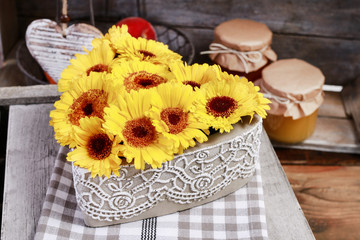 How to make simple floral arrangement with sunflowers, tutorial.