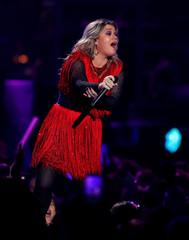 Kelly Clarkson performs during the iHeartRadio Music Festival at T-Mobile Arena in Las Vegas
