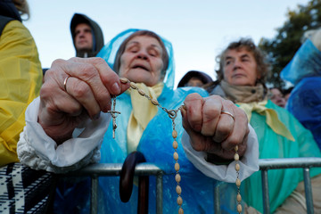 Faithful wait for the Holy Mass celebrated by Pope Francis in Kaunas