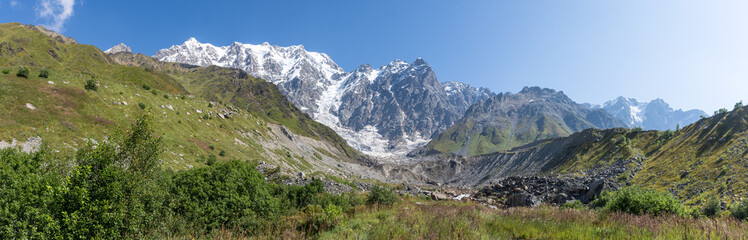 Panorama du glacier Shkhara, Ushguli, Géorgie