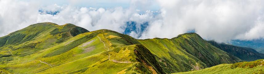 Zelfklevend Fotobehang Bergen 初秋の山 山形県月山