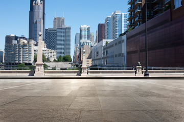 Fotomurales - empty street through moder city in chicago