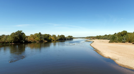 Loire river bank in the Centre-Val de Loire region Fototapete