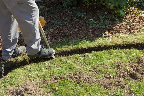 Beliebt Rasenkante im Garten anlegen