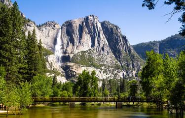 Yosemite Falls on a beautiful spring day Wall mural