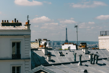 Toits de Paris et vue sur la tour Eiffel, Montmartre