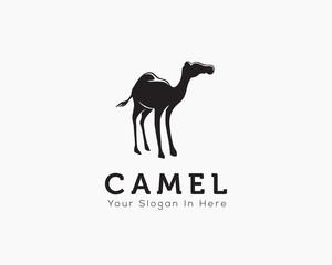 Stand camel art logo
