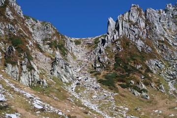 中央アルプスの木曽駒ヶ岳の千畳敷カール