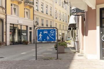 Beginn eines verkehrsberuhigten Bereichs - Verkehrsschild VZ 325.1