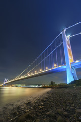 Fototapete - Tsing Ma bridge in Hiong Kong at night