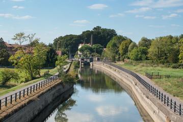 canale per l'irrigazione agricola