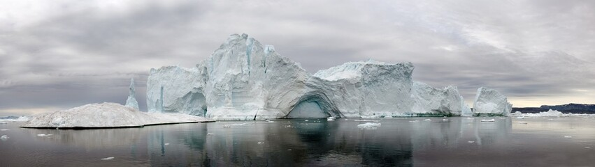 Printed kitchen splashbacks Glaciers Iceberg floating in the water off the coast of Greenland. Nature and landscapes of Greenland.