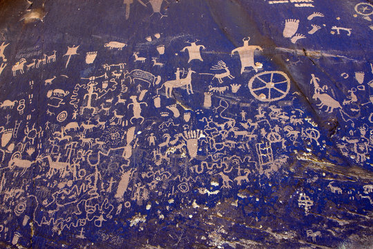 Newspaper Rock in San Juan County, Utah, features one of the largest known collections of petroglyphs, dating back 2,000 years