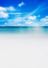 青空とビーチ
