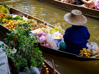 Foto op Canvas Bangkok floating Market in Thailand and take a boat then have a great tour at Floating Market Damnoen Saduak, Thailand