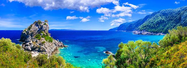 Obraz Beautiful Greek islands- Skopelos. view of rock and church Agios Ioanis. northen Sporades - fototapety do salonu