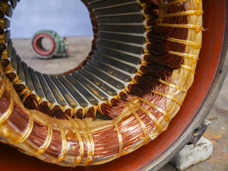 Electric motor stator with winding coil