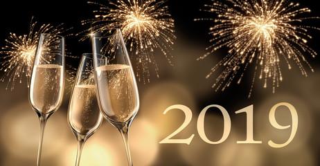 Champagergläser mit Feuerwerk 2019